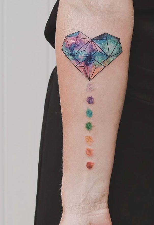 Tatuajes geométricos de Jasper Andres fusionan preciosamente la geometría con la naturaleza