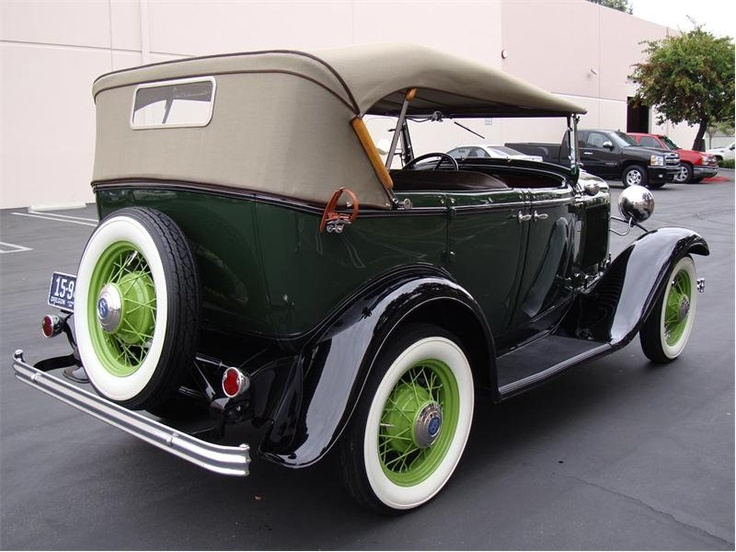 1932 Ford Model 18 V8 Phaeton