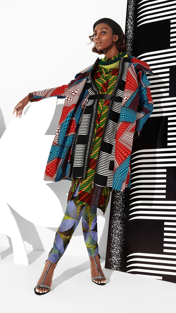 Vibrant multi-layered and multi-coloured look. #print-dress #print-coat