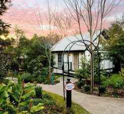 Country Cottages Olinda Spa suite Accommodation
