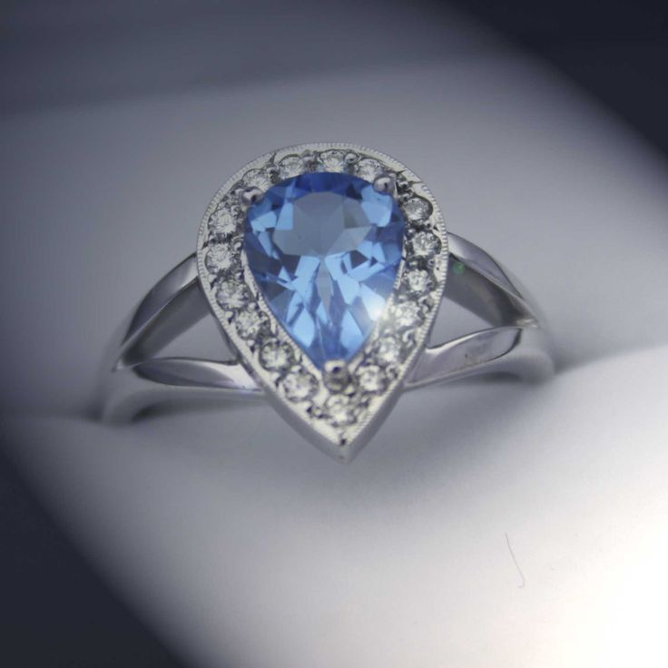 Topaz and diamonds. What a pair!