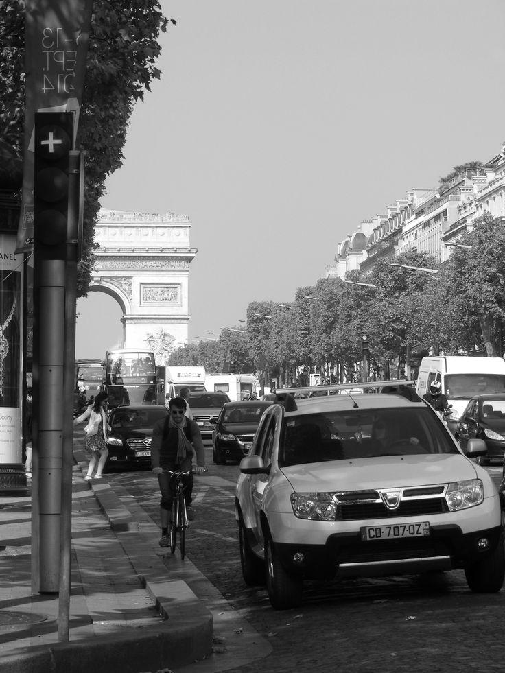 Champs-Élysées & Arc de Triomphe