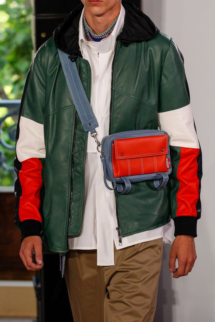 See detail photos for Valentino Spring 2018 Menswear collection.
