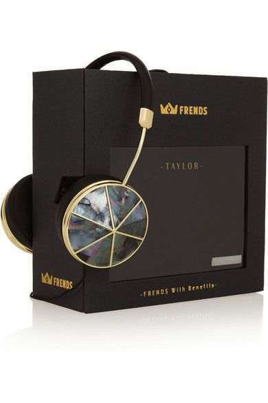 Black leather (Lamb) Mother-of-Pearl: Tahiti Compatible with MP3, cell phones and other audio devices Come with soft carrying case