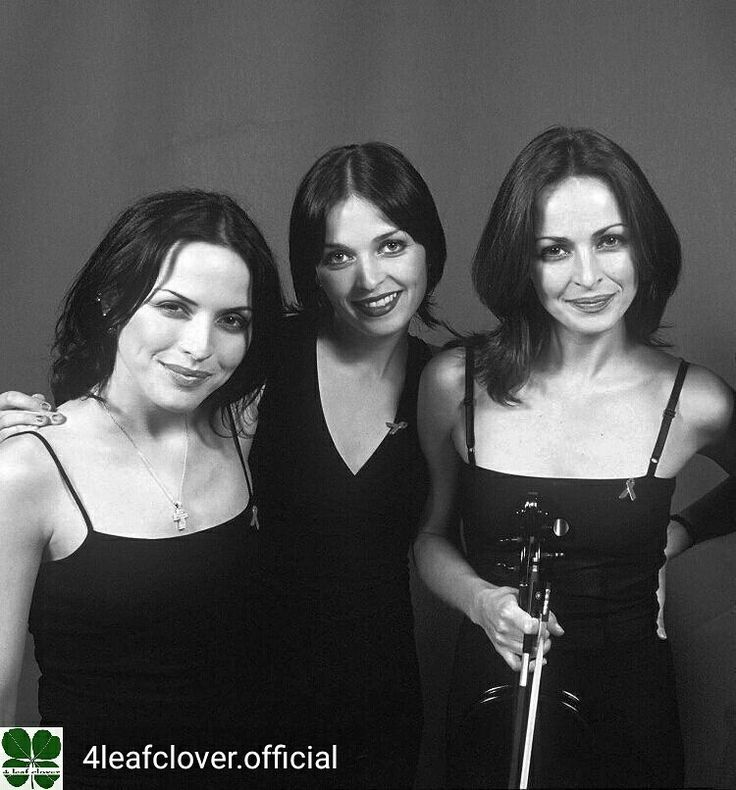 Credit to @4leafclover.official : Classic, never gets old. @andreacorrofficial @carolinecorrofficial @sharoncorrofficial @jim_corr #thecorrs #corrs #AndreaCorr #SharonCorr #CarolineCorr #JimCorr #irish #music #band #family
