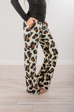 Bold Leopard Leg Loungers