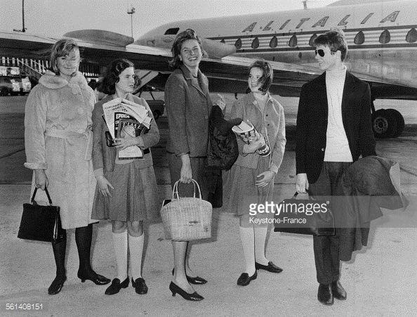 Ingrid Bergman entourée de ses quatre enfants, les jumelles Isotta et... Photo d'actualité   Getty Images