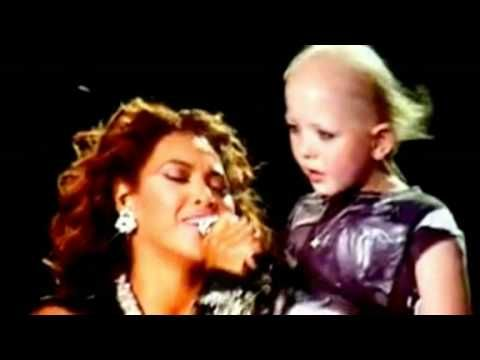 """Beyonce sings """"HALO"""" to an adorable little girl name Chelsea who is suffering from Leukemia. Brings tears everytime i watch this!"""