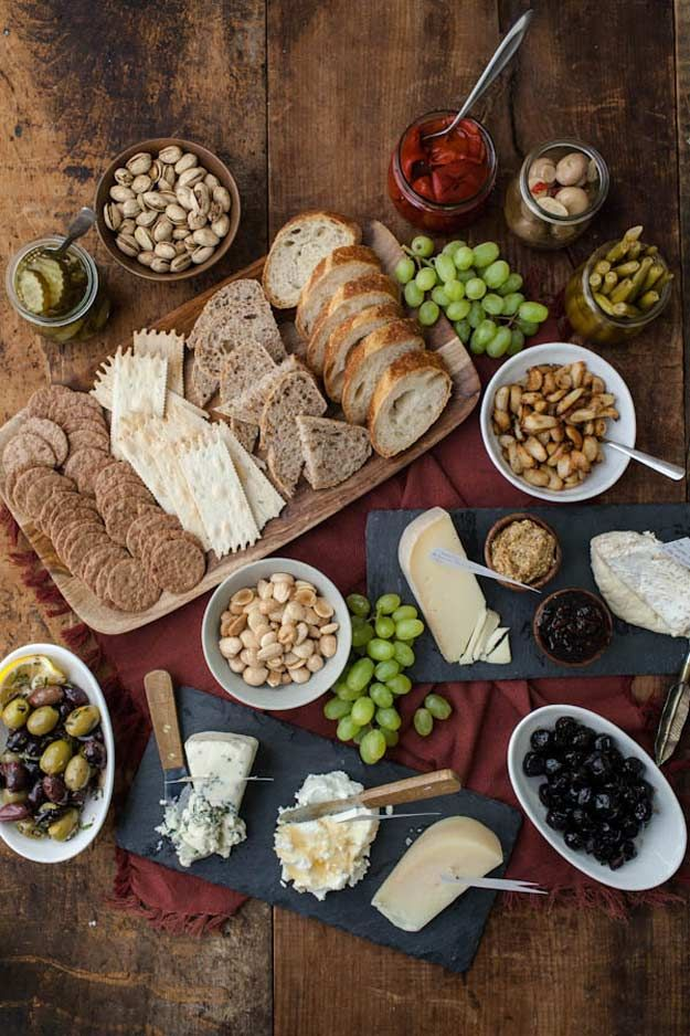 Sophisticated Cheese Platter | Cheese Platter Ideas | Quick And Attractive Delicious Party Recipes by Pioneer Settler at http://pioneersettler.com/cheese-platter-ideas/