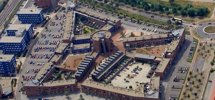 Winkelcentrum 't Fort ligt op slechts vijf minuten rijden van Zonnetuin. Dit winkelcentrum biedt een ruim en gevarieerd aanbod van winkels. U treft hier onder anderen meerdere grote supermarkten aan!