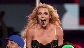 Bajak Laut Somalia Takut Lagu Britney Spears