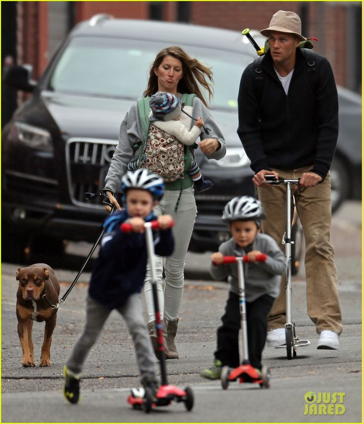 Gisele Bundchen and Tom Brady take their kids John, Benjamin and Vivian to the park on October 12, 2013