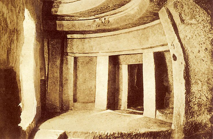 Hipogeo de Hal Saflieni // Photo de l'hypogée réalisée avant 1910 ◆Malta - Wikipedia http://es.wikipedia.org/wiki/Malta #Malta