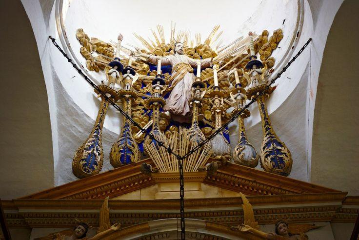 Фрагмент иконостаса Спасо-Преображенского собора в Белозерске.