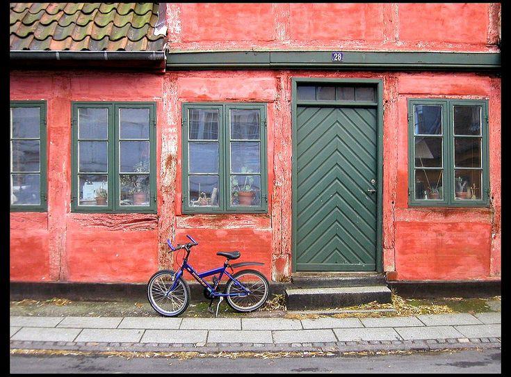 https://flic.kr/p/2hEmT   20021119   Helsingor, Denmark 032