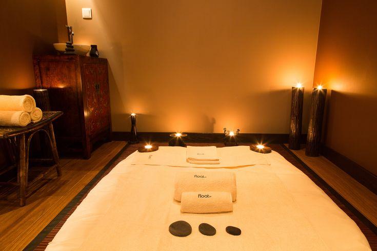 A sala Ylang foi pensada para proporcionar a melhor experiencia em massagem orientais. Já conhece a massagem oriental de assinatura float in?