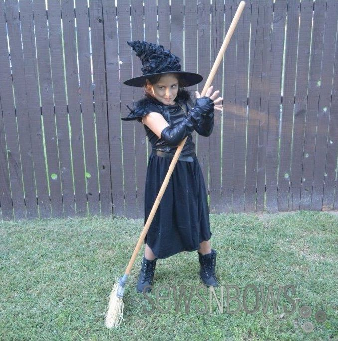 One hour Wicked Witch costume by SewsNBows