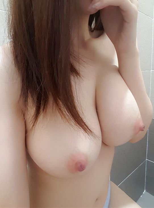 Sexy womens pussies and boob tits