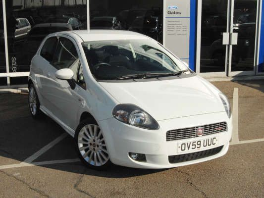 Used 2009 (59 reg) White Fiat Grande Punto 1.6 Multijet Sporting 3dr for sale on RAC Cars