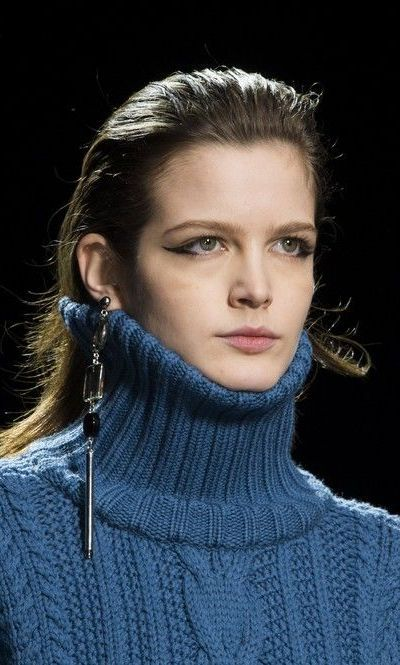"""fuzzy-findings: """"A neck corset rather than a turtleneck! Anteprima 2015-16 FW Ready To Wear """""""