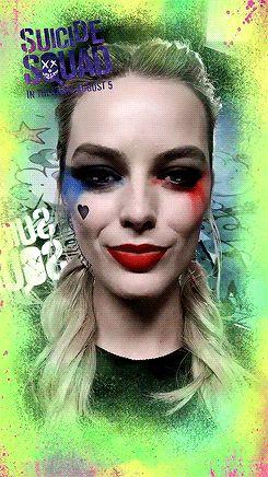 """welele: """"Margot Robbie usando el filtro de Harley Quinn de Snapchat."""""""