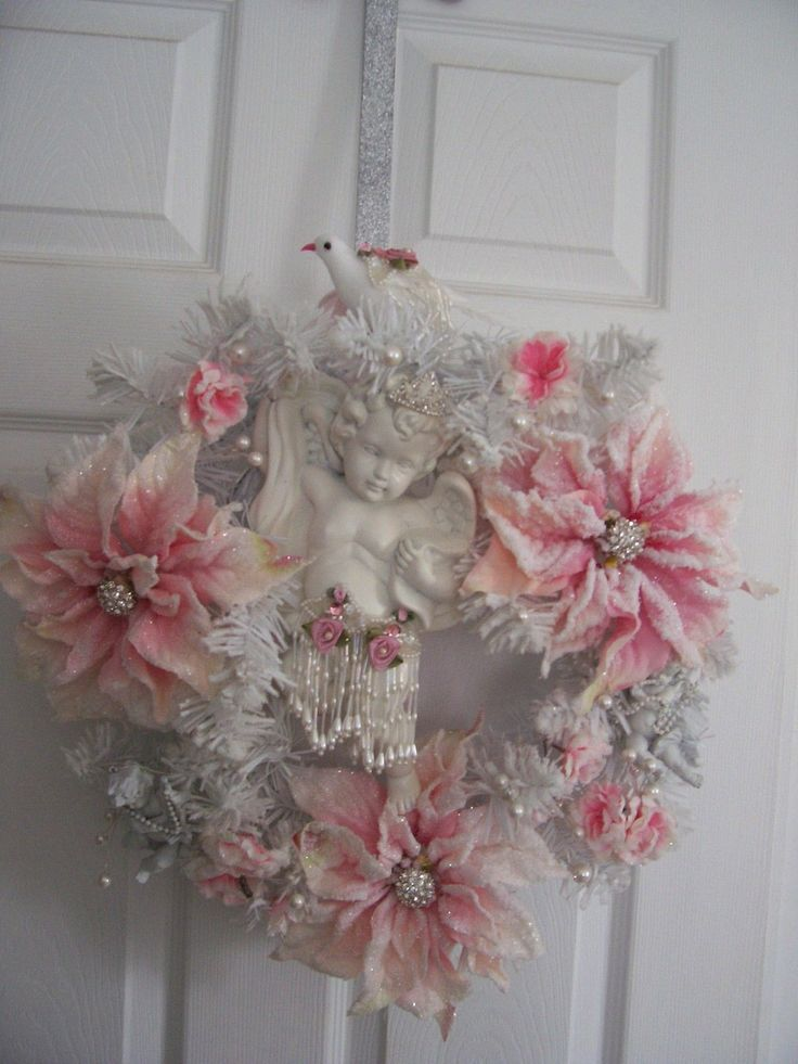 22 Awesomely Shabby Chic Christmas Wreath That Can Be Used All Year Round 11