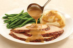 Once you've tried this extra smooth gravy recipe, you'll wonder why you ever made it any other way. @DinnerbyDesign by @Cassi1986
