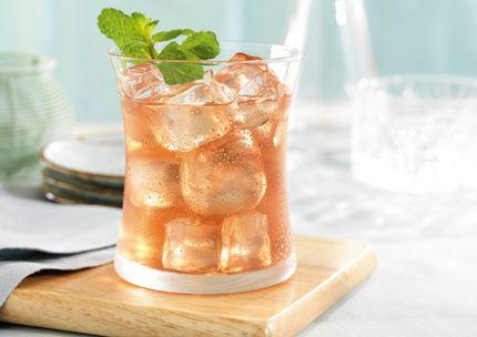 Chamomile-Pomegranate Tea   Recipes with SPLENDA® Sweetener Products