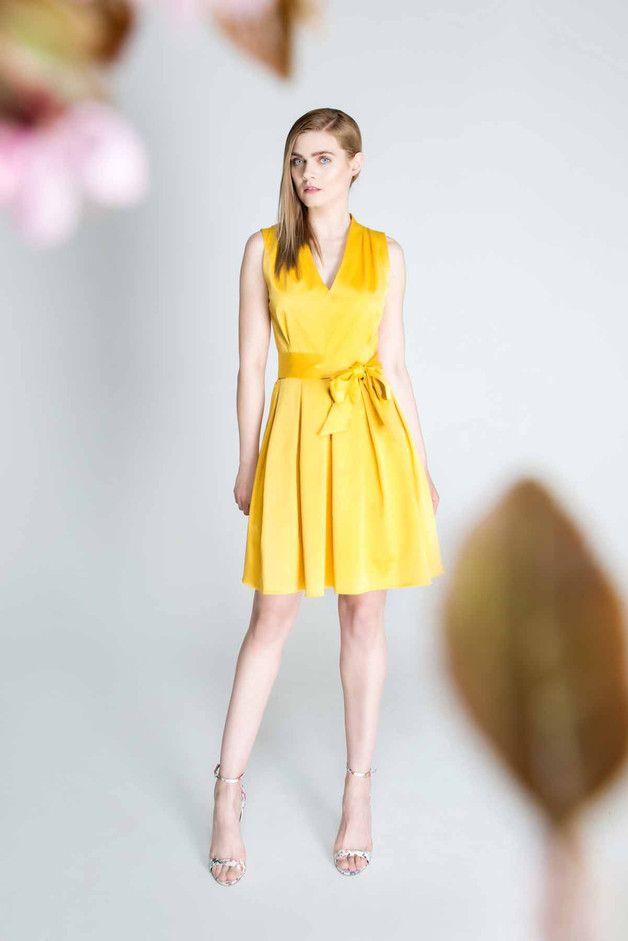 Sukienka z kontrafałdami, żółta. D103 - Fanfaronada - Sukienki mini
