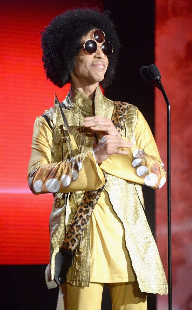 Prince Dead at Age 57: Justin Timberlake, Ellen DeGeneres, Demi Lovato, Nick Jonas and More Celebs React