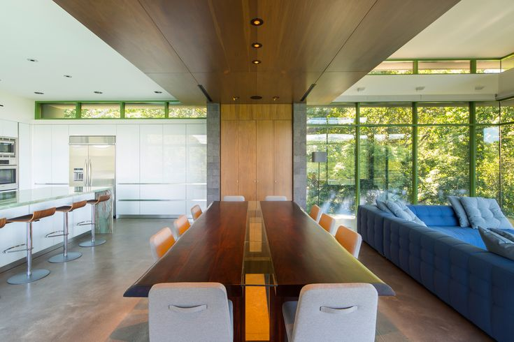 Timber use and drop ceiling help define dining space