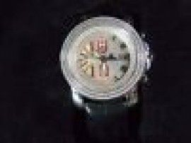 #Louisville KY Merchandise / #JohnnyDang Diamond #watch .75ct - Geebo - In excellent condition