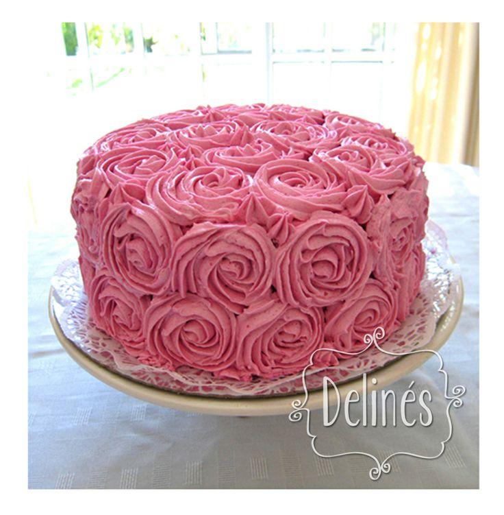 Tortas con cubierta de crema for Decoracion de tortas sencillas