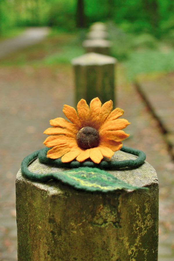 I created this sunflower necklace to make you feel happy all year round but especially in the autumn time. Visit my site to see, how it looks like on woman's neck.