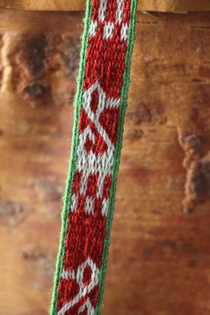 A tablet woven headband from Moscevaja Balka 8.th century. Technique: a mixture of 3/1 broken twill and doubleface. tablet woven by aisling