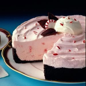 Frozen Peppermint Cheesecake! (random cheaper cheater peppermint pie: cool whip, pack of