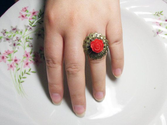 red rose ring by rabbitsillusions on Etsy