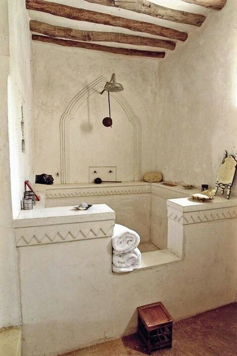 Large shower in cob house - oh hell! How cool is this?!!