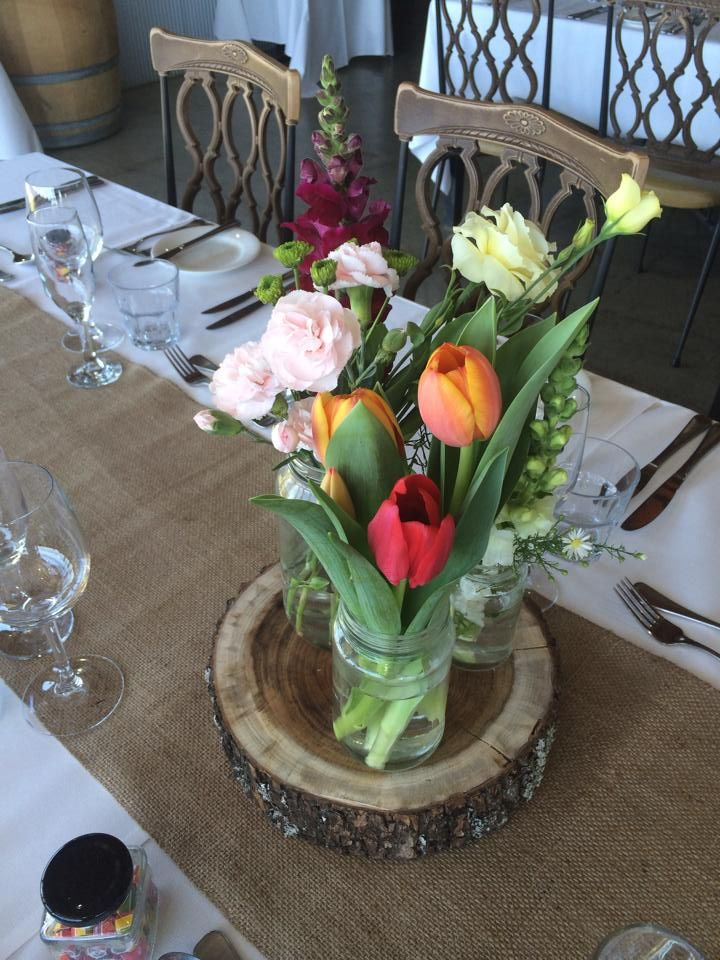 Tulip table centrepiece flowers at Yarra Ranges Estate. Winery Wedding | Yarra Valley Wedding | Dandenong Ranges Wedding