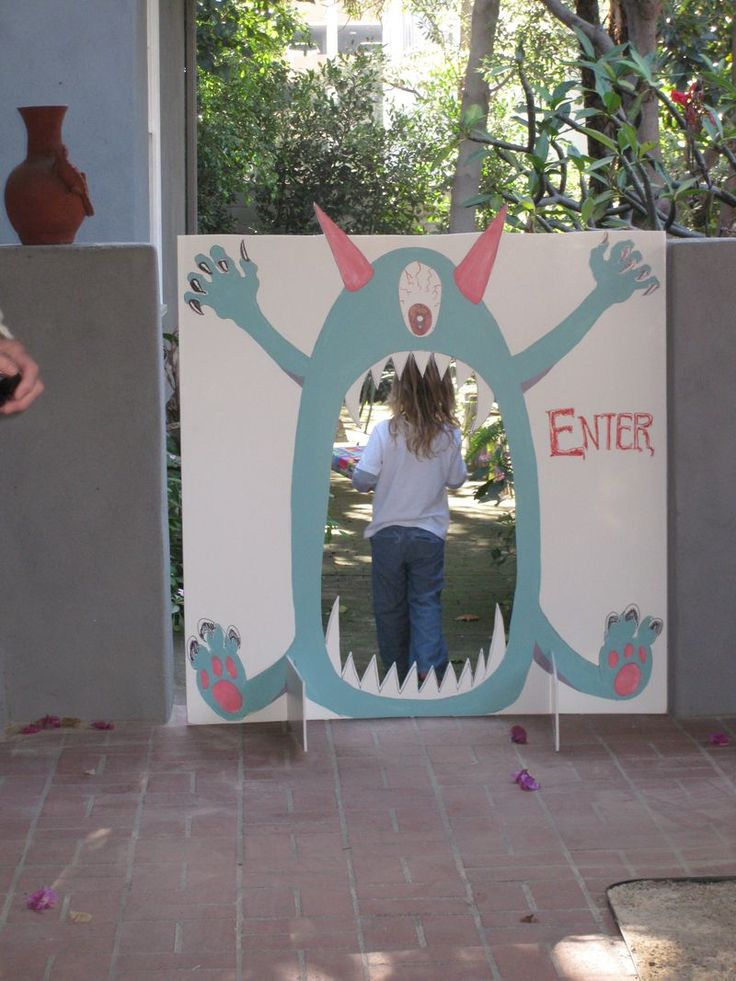 Would make a great entrance to the kids' birthday party!