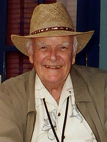 John Ingle better known as Edward Quartermaine from General Hospital was cast on Days as Mickey Horton replacing John Clarke, John Ingle was then replaced later by Kevin Dobson, before the character was killed off in 2010