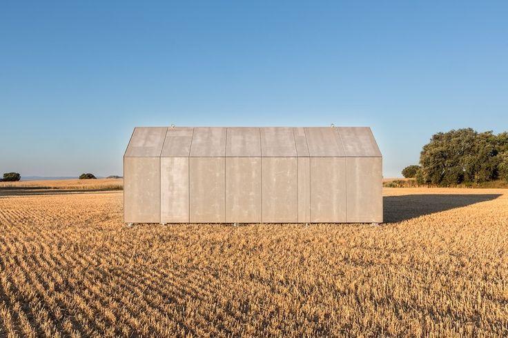 Fachada ventilada terminada con tableros de madera cemento #arquitectura #vivienda #madera