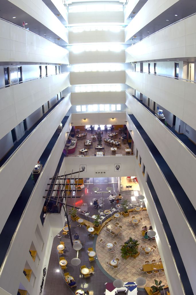 Darwin Central Hotel is an Atrium design Hotel featuring 7 floors and 132 beautifully appointed accommodation rooms. Darwin, NT Australia