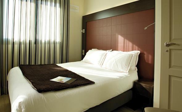 Park&Suites Prestige Toulouse Aéroport**** - Chambre Classique #toulouse #hotel #apparthotel #chambre http://www.parkandsuites.com/fr/apparthotel-toulouse-aeroport-blagnac