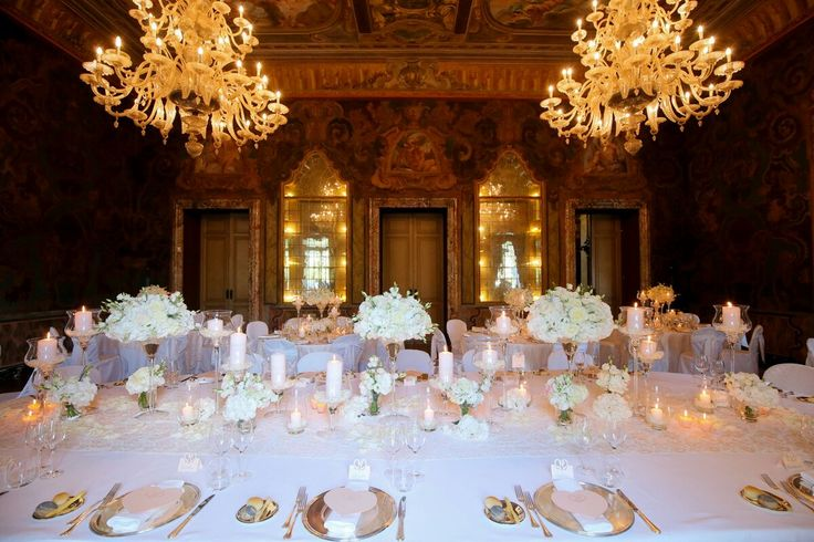 Simply flawless... A magnificent saloon of the receptions for a fairy-tale wedding full of love and happiness. Such a wonderful dream...  #destinationwedding #destinationweddingplanner #elenarenzi #myjob #mypassion #luxury #elegance #refinement #dream #luxurywedding #luxuryevent #luxuryvilla #luxuryvenue #villaerba #lakecomo #italy #topdestinationsinitaly #cernobbio #happiness #love #bride #groom #beautifulcouple
