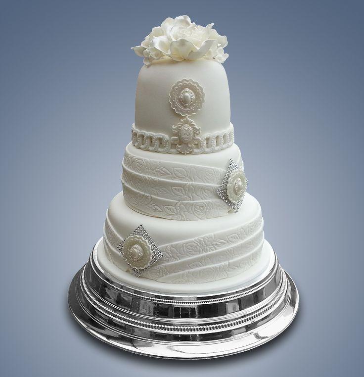 Biela elegancia / White elegance - Wedding cake