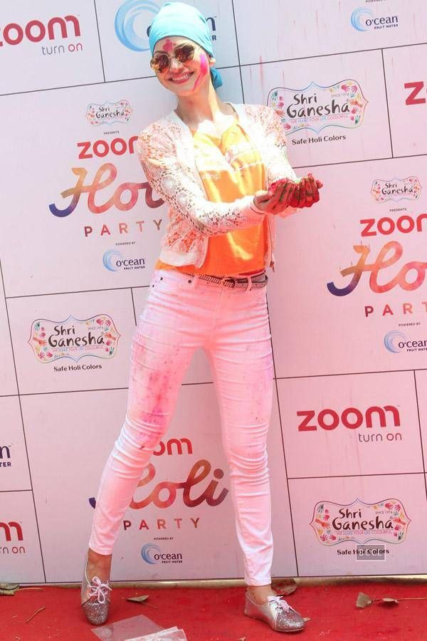 Zoom Holi Party 2016 Photogallery - Times of India