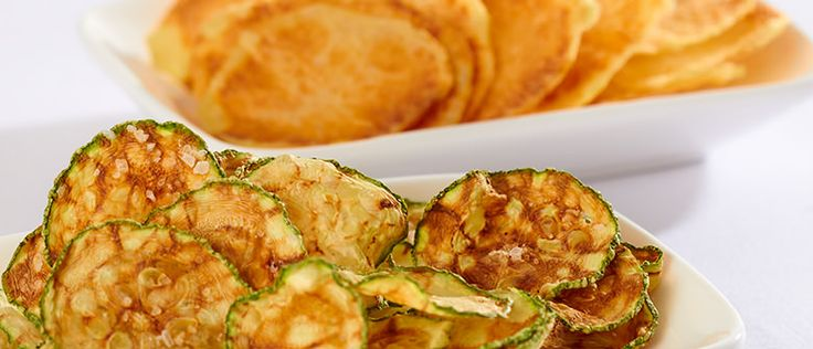 Nada mais saboroso que degustar chips. Mas que tal fazê-lo de forma saudável? Essa receita é uma delícia e possui apenas 39 kcal por porção. Experimente!!!