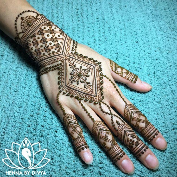 """3,109 Likes, 14 Comments - Divya Patel (@hennabydivya) on Instagram: """"For @airm ❤️ #hennabydivya #hennatattoo #torontohenna #torontohennaartist #torontobridalhenna…"""""""