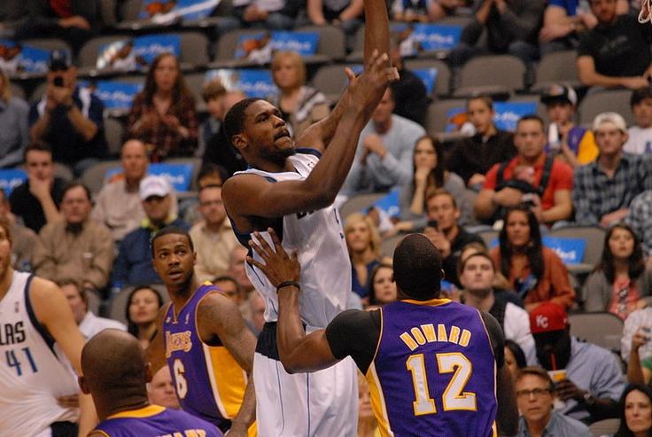 Artículo sobre la clasificación de los Angeles Lakers en los play-offs. Los Lakers deberán enfrentarse a domicilio a sus tres últimos adversarios, Golden State Warrios (13 de abril), San Antonio Spurs (15) y Houston Rockets (18). La casa de apuestas deportivas de William Hill ya ha lanzado las cuotas para que se pueda apostar por dichos enfrentamientos.